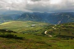 Mooie de zomermening van Viluchinsky-pas stock afbeeldingen