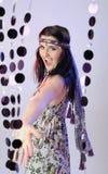 Mooie de zomervrouw die in de club danst royalty-vrije stock fotografie