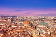 Mooie de zonsonderganghorizon van Florence in de zomerdag, Luchtmening van royalty-vrije stock foto's