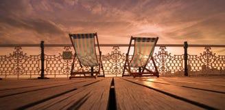 Mooie deckchairs van Brighton royalty-vrije stock afbeelding