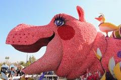 Mooie Decoratie van Vlotters in Postparade van Toernooien van R Stock Foto