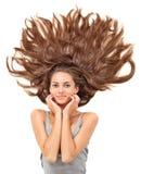 Mooie donkerbruine vrouw met verspreide lange haren royalty-vrije stock afbeeldingen