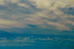 Mooie Dramatische Wolken en Hemel Stock Fotografie