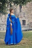 Mooie Eleanor van Aquitaine, hertogin en koningin van Engeland en Frankrijk op Hoge Middeleeuwen stock foto's
