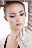 Mooie elegante vrouw met instromingsschachtogen Stock Foto