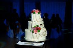 Mooie en edele huwelijkscake Stock Foto