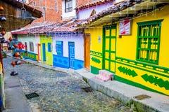 Mooie en kleurrijke straten in gekende Guatape, Royalty-vrije Stock Afbeeldingen