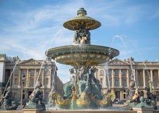 Mooie en opvallende fontein in Parijs stock fotografie