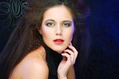 Mooie en sexy donkerbruine vrouw Royalty-vrije Stock Foto's