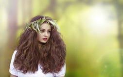 Mooie fantasievrouw fairy heks Ecologisch streepbehang Stock Afbeeldingen