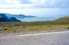 Mooie fjord in Noorwegen dichtbij Nordkapp royalty-vrije stock fotografie