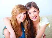 Mooie gelukkige meisjes Royalty-vrije Stock Afbeelding