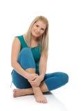 Mooie gelukkige vrouw die geschiktheid doet pilates Royalty-vrije Stock Afbeeldingen