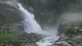 Mooie gezichtswaterval van Kriml in Tirol in Oostenrijk in de Alpen Stock Afbeeldingen