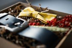 Mooie giften, een riem en een vlinderdas Royalty-vrije Stock Afbeeldingen