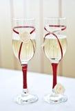Mooie glazen bij modieus restaurant Stock Foto