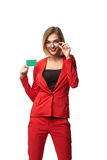Mooie glimlachende bedrijfsvrouw die bril en in r dragen Royalty-vrije Stock Afbeelding