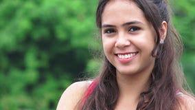 Mooie Glimlachende Tiener stock video