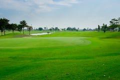 Mooie golfcursus in Thailand stock afbeelding