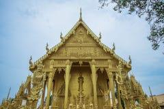 Mooie gouden kapel van Wat Paknam Jolo, Bangkhla, Chachoengsao-Provincie, Thailand royalty-vrije stock afbeeldingen
