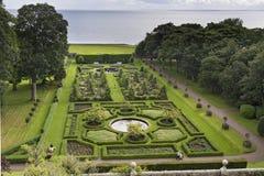 Mooie groene geometrische tuinmening van hierboven stock afbeelding