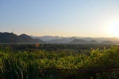 Mooie groene mening over de berg Royalty-vrije Stock Fotografie