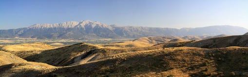 Mooie grote bergen in de provincie Stock Foto