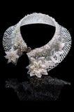 Mooie halsband van witte parels stock fotografie