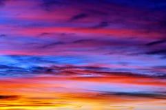 Mooie hemel bij zonsondergang Royalty-vrije Stock Afbeeldingen