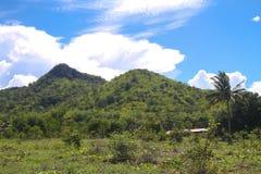 Mooie hemel en berg Stock Fotografie