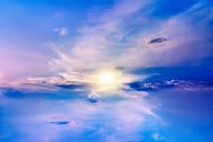 Mooie hemel Mooi hemels landschap met de zon in de wolken stock afbeeldingen