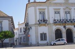 Mooie historische gebouwen in Portugese stad stock foto