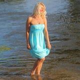Mooie hogere blondevrouw Royalty-vrije Stock Foto's