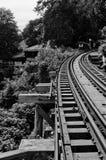 Mooie houten spoorweg stock afbeelding