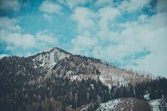 Mooie humeurige ijzige landschaps Europese alpiene bergen Stock Afbeeldingen