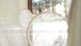 Mooie huwelijks exclusieve met de hand gemaakte juwelen stock video
