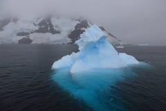 Mooie ijsberg in Antarctica Stock Foto
