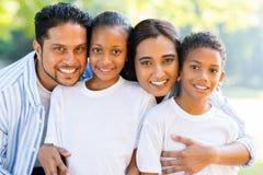 Mooie Indische familie Stock Afbeeldingen