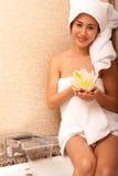 Mooie Japanse vrouw in bad stock foto's