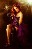 Mooie jonge burleske showgirl op stadium Royalty-vrije Stock Fotografie
