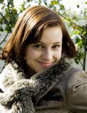 Mooie Jonge Dame Smiling royalty-vrije stock afbeelding