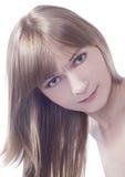 Mooie jonge groen-ogendame Stock Foto's