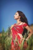 Mooie Indische vrouw bellydancer. Arabische bruid. Royalty-vrije Stock Afbeeldingen
