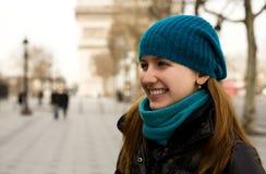 Mooie jonge toerist in Parijs Royalty-vrije Stock Afbeeldingen