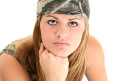 Mooie Jonge Vrouw in Camo Stock Afbeeldingen