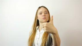 Mooie jonge vrouw die succesvolle Vingers tonen stock videobeelden