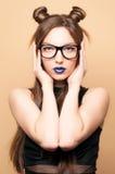 Mooie jonge vrouw in glazen Royalty-vrije Stock Foto