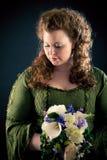 Mooie Jonge Vrouw in Groene, middeleeuws-Stijlkleding royalty-vrije stock afbeeldingen