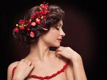Mooie jonge vrouw met avondsamenstelling Royalty-vrije Stock Afbeeldingen