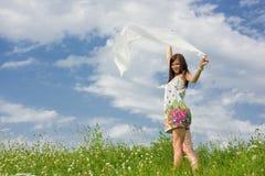 Mooie jonge vrouw met een sjaal royalty-vrije stock foto's